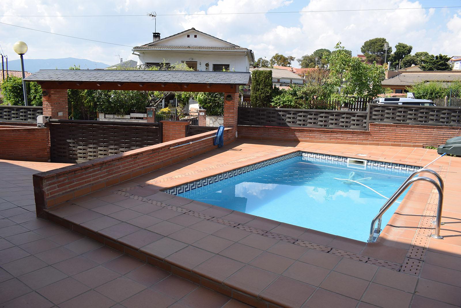 Casa con piscina / Ref. 19619